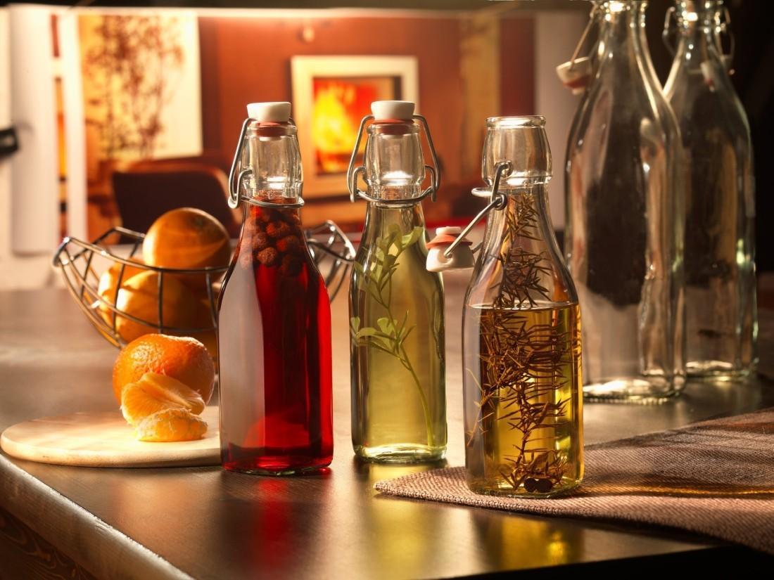 Gợi ý một số loại chai uống nước thủy tinh đẹp rẻ cho gia đình bạn
