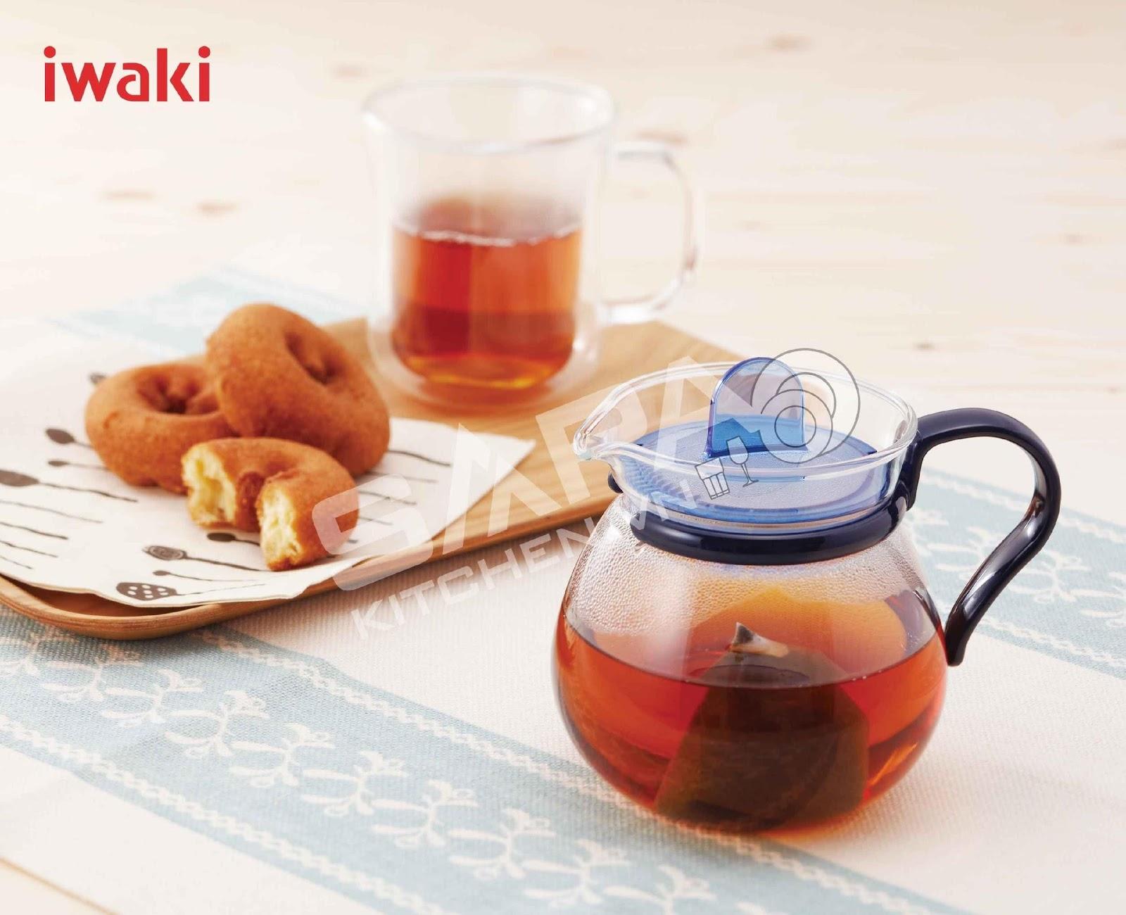Bình thủy tinh trọn vẹn vị trà