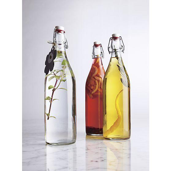 Chai lọ thủy tinh dùng để đựng rượu