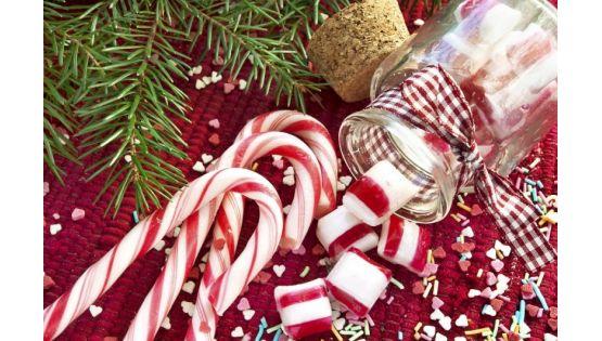 Kẹo cây gậy trong hũ thủy tinh - món quà ngọt ngào cho giáng sinh