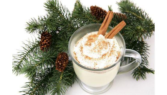 Đón Giáng sinh đúng điệu với món kem trứng cùng ly thủy tinh cao cấp