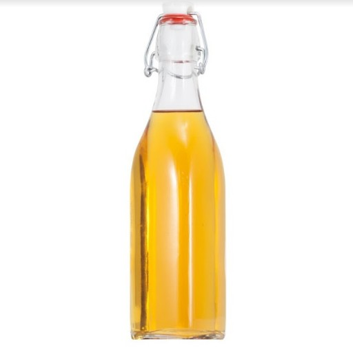 Chọn chai thủy tinh có nắp cài kín hơi để bảo quản dầu thực vật