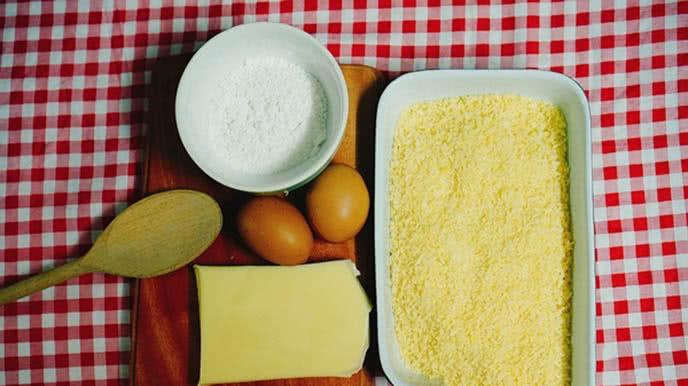 Vài nguyên liệu cần thiết cho món gà chiên phô mai