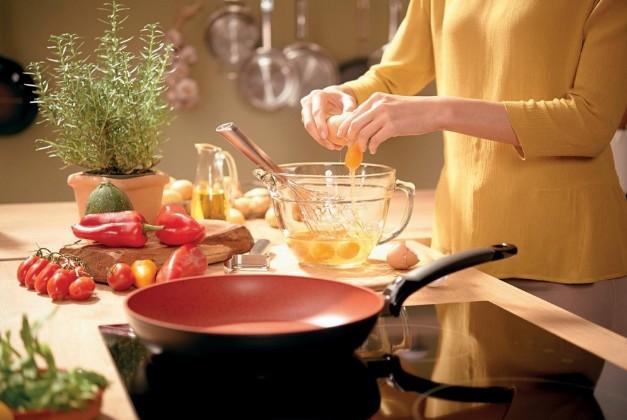 Chảo chống dính cao cấp sẽ là lựa chọn hoàn hảo cho món cơm cuộn của bạn