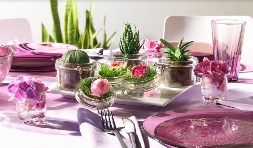 Trang trí bàn ăn, bàn tiệc bằng hũ thủy tinh nắp cài
