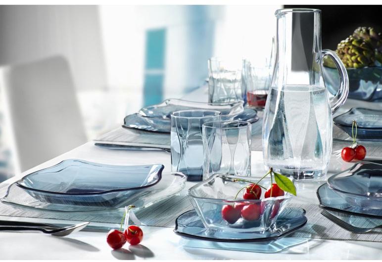 Nên chọn bình, ly thủy tinh cao cấp đựng nước uống để đảm bảo an toàn cho sức khỏe