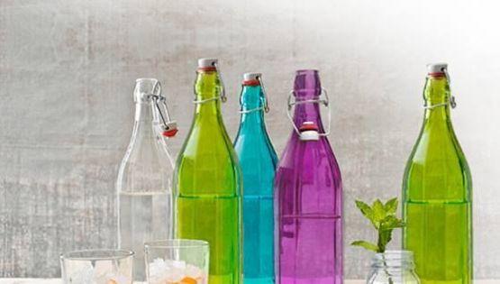 Tiệc lung linh cùng chai thủy tinh nhiều màu sắc