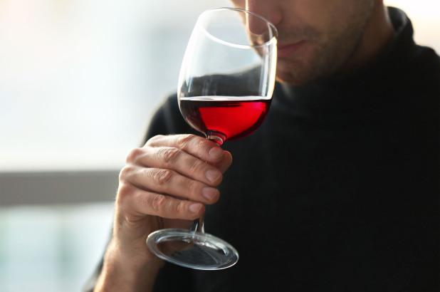 Người trung niên có nên uống rượu vào mỗi ngày?