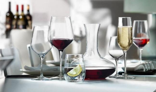 Sang trọng và tinh tế cùng bình rót rượu thủy tinh cao cấp
